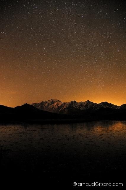 Massif du Mont Blanc de nuit
